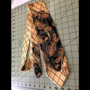 Karl Knox Designer gorgeous golden tie